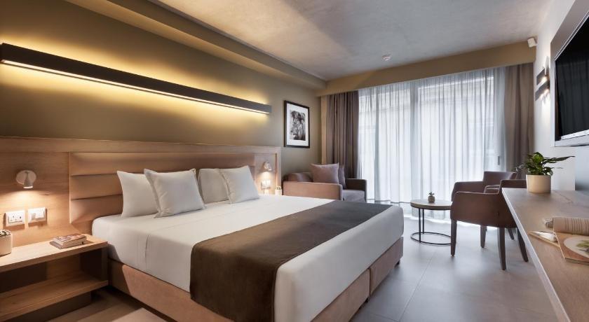 ST Azur Hotel