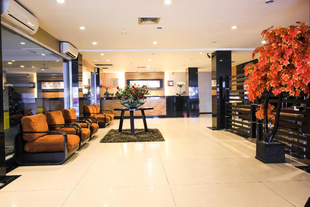 iShine Hotel