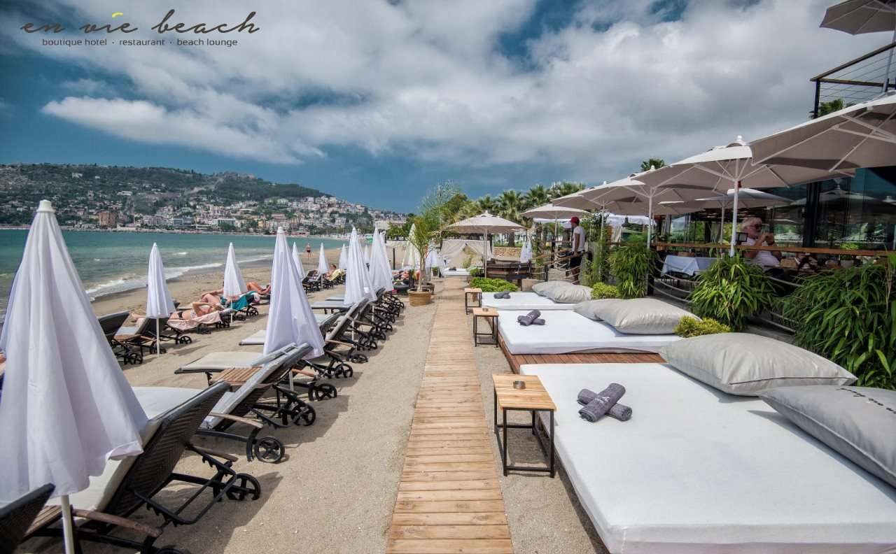 En Vie Beach Boutique Hotel