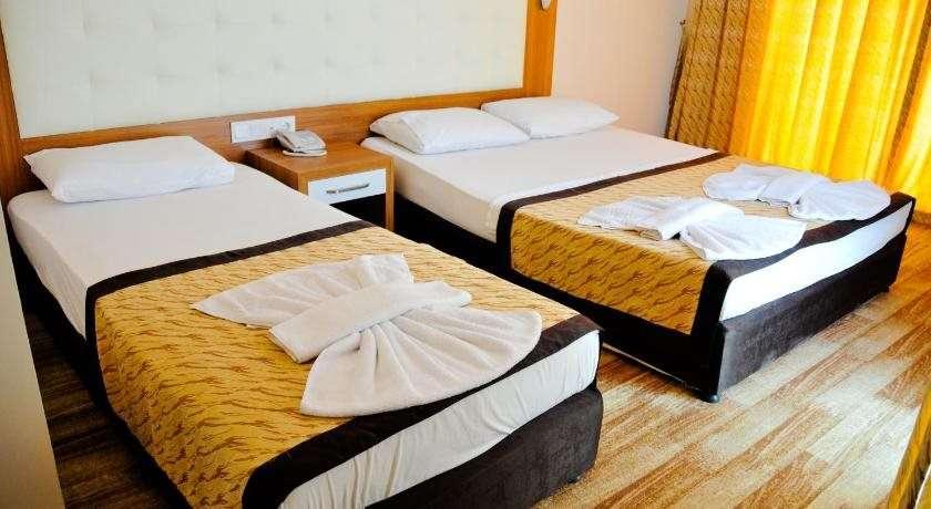 Mitos App. & Hotel