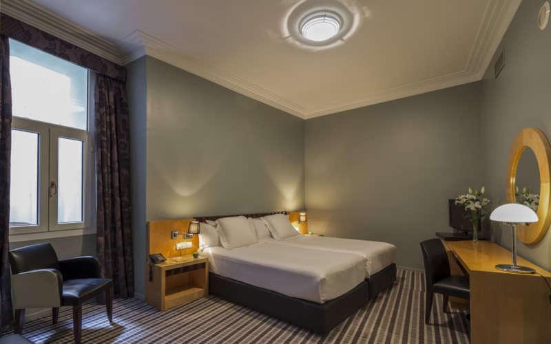 Room Mate Larios
