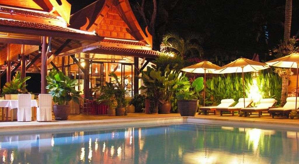 White House Beach Resort & Spa