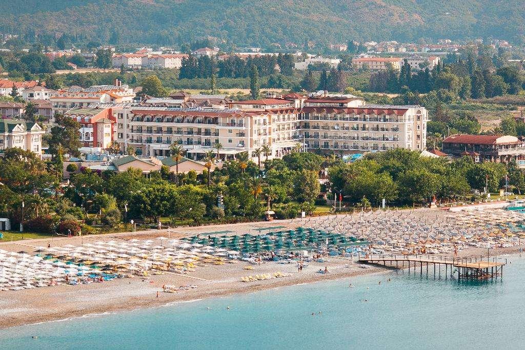 Loceania Beach Resort