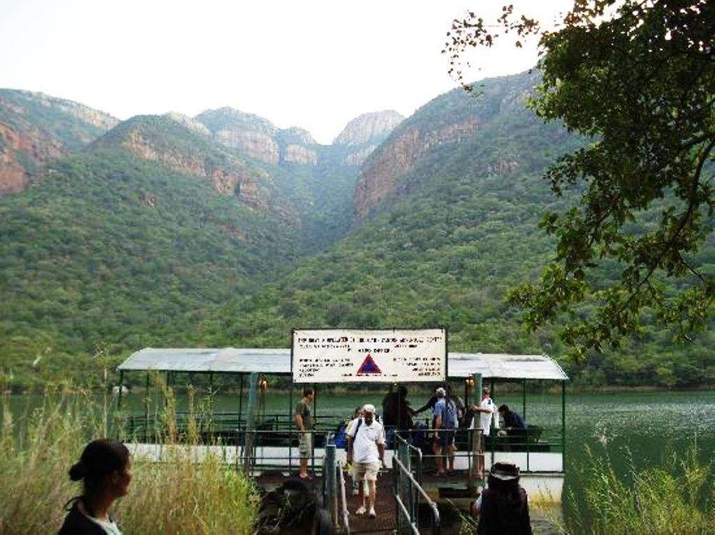 Shikwari Bush Lodge & Pangolin Bush Camp