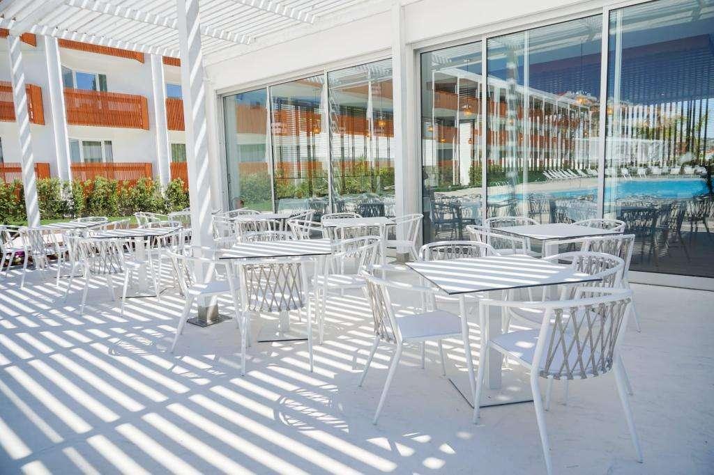 Malibu Foz Hotel & Restaurant