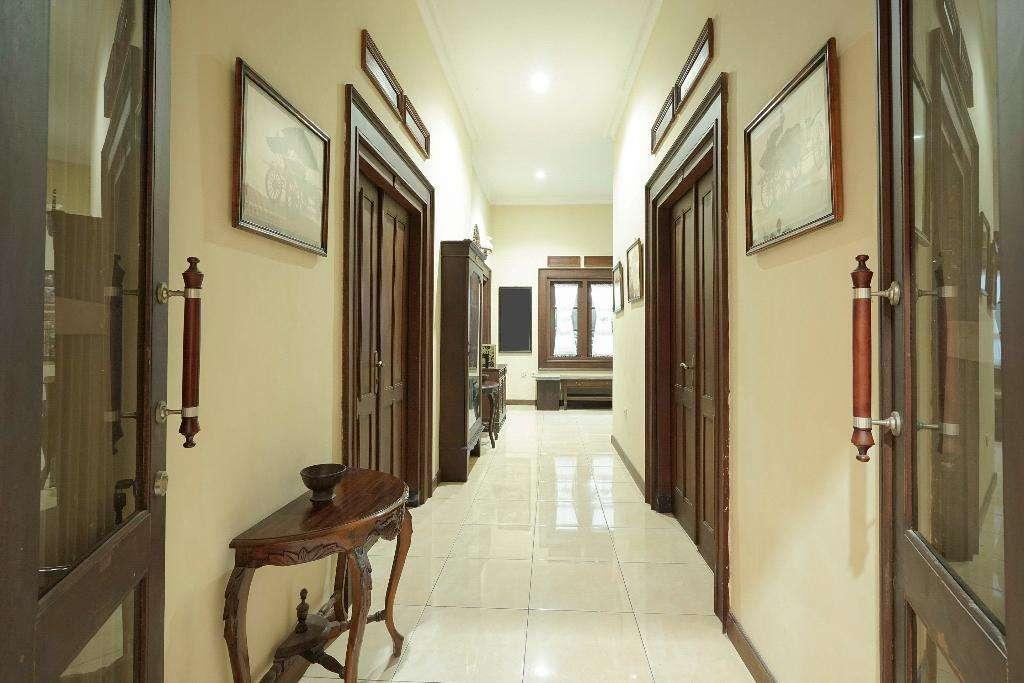 Ndalem Maharani Guest House