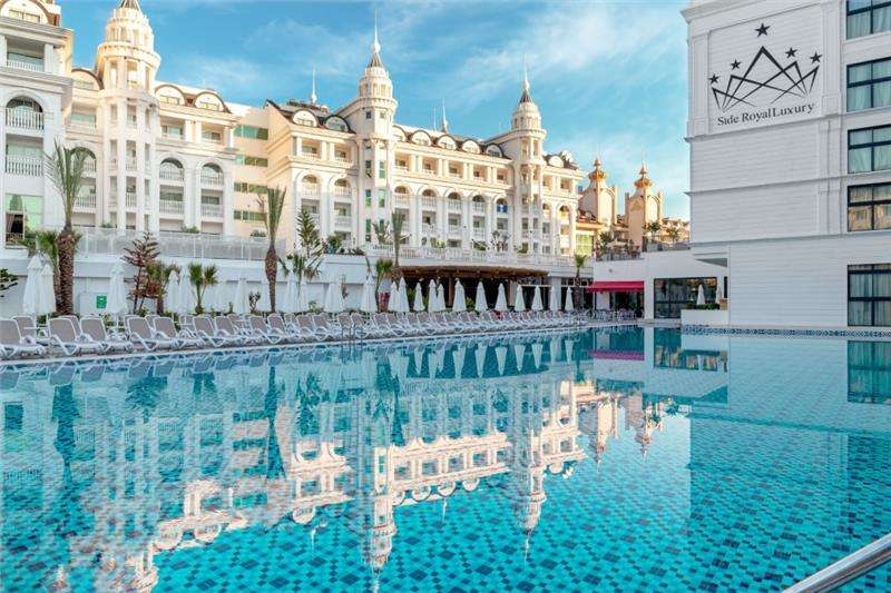 Side Royal Style Hotel